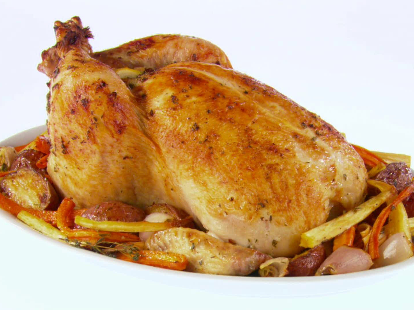 GH0505H_garlic-roasted-chicken-and-root-vegetables-recipe_s4x3